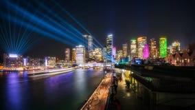 Växelverkande laser-show under livliga Sydney royaltyfri bild