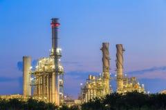 Växt för elkraft för gasturbin i morgonen Arkivbilder