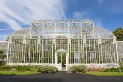 Växthus i den nationella botaniska trädgården royaltyfri fotografi