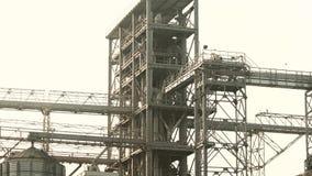 Växtkonstruktion av en stor fabrik arkivfilmer