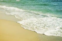 Våg av havet på sanden Royaltyfri Fotografi