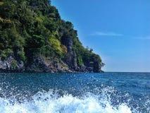 Våg- och blåtthav Arkivfoto