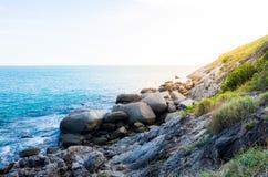 Våg och hav på uddevandringsledet som fotvandrar slingan Fotografering för Bildbyråer