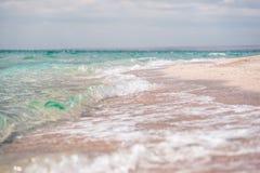 Våg på stranden Royaltyfri Fotografi