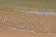 våg på stranden, hua hin Thailand Arkivfoto