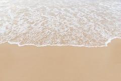 Våg på till stranden Royaltyfria Bilder