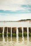 Vågbrytare i Östersjön royaltyfri bild