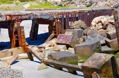 Vågbrytare som märkas och rostas: Fremantle västra Australien Arkivfoto