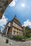 Vågbrytaren Antonelliana, symbol av Turin, Italien, fisheye Royaltyfri Fotografi