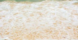 Vågen slogg stranden Royaltyfri Foto