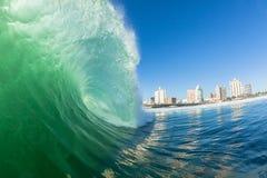 Vågfärg som kraschar vattenkraft Durban Arkivfoto