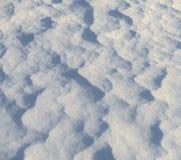 Vågmodeller i snön royaltyfria foton