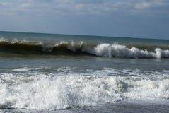 Vågor av Blacket Sea Royaltyfri Bild
