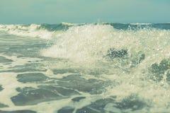 Vågor för havshavvatten plaskar abstrakt bakgrund Arkivbilder