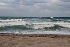Vågor på Atlanten Royaltyfria Bilder