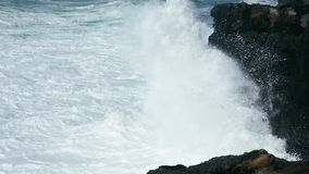 Vågor som bryter i ultrarapid arkivfilmer