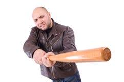 Våldsam man med baseballslagträet Arkivbild