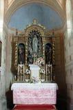 Vår dam av det Lourdes altaret i kyrka av helgonet Roch i Kratecko, Kroatien Arkivbild