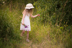 Vår-sommar flicka Fotografering för Bildbyråer