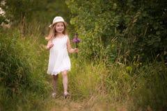 Vår-sommar flicka 4 Arkivbild