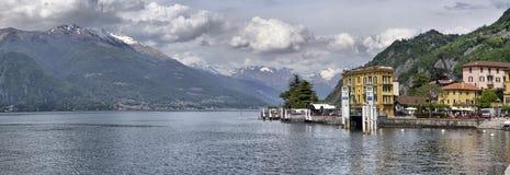 Vårlandskap på sjön Como, Royaltyfri Bild