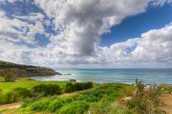 VårSeascape och landskap i Pomos, Paphos, Cypern Arkivfoton