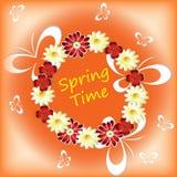 Vårtid med blommor, fjärilar Arkivbild