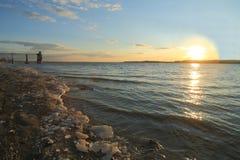 VårVolga River solnedgång Arkivbilder