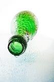 våt makro för flaskgreen arkivfoton