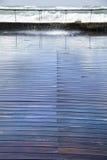 Våt trästrandpromenad Arkivfoton