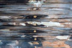 Våt trätextur från sandpapprad fartygskrov royaltyfria bilder