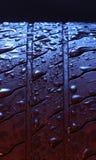 vått gummihjul Arkivfoto