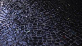 Vått trottoarslut upp lager videofilmer
