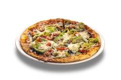 Végétarien de pizza aux légumes sur le fond blanc d'isolement Photo libre de droits