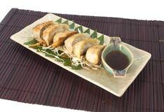 Végétarien Gyoza avec de la sauce japnese Image stock