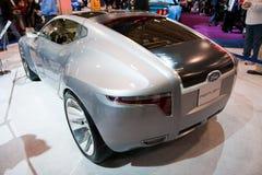Véhicule argenté de concept de Ford Image libre de droits