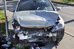 Véhicule cassé Accident sur la route image libre de droits