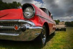 Véhicule classique rouge Photographie stock libre de droits