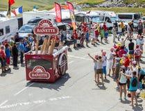 Véhicule de Banette dans les Alpes - Tour de France 2015 Image stock