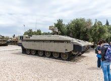 Véhicule de combat israélien d'infanterie - tigre - Namer - se trouve sur le chantier commémoratif près du musée blindé de corps  photo stock