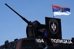 Véhicule de combat serbe de police Photographie stock