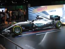 Véhicule de la formule 1 Équipe de Mercedes AMG Petronas F1 Salon de l'Auto international 2016 de Moscou photo libre de droits