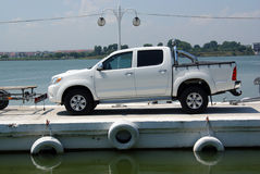 Véhicule de luxe sur le ferry-boat Photos stock