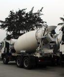 Véhicule de mélangeur de béton ou de ciment Images stock