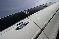Véhicule de mariage de limousine de bout droit photographie stock