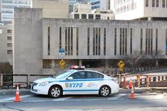 Véhicule de NYPD sur la passerelle de Brooklyn Photos libres de droits