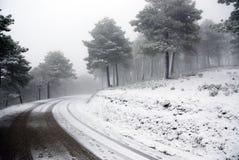 Véhicule de pointe sur la neige image libre de droits