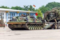 Véhicule de récupération blindé allemand, Bergepanzer 2 des commandes de Bundeswehr la journée 'portes ouvertes' au Burg de caser image stock