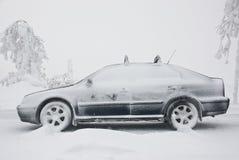 Véhicule en hiver Photographie stock libre de droits