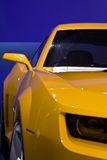 Véhicule jaune Image stock